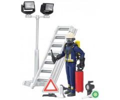 Фигурка пожарного с аксессуарами