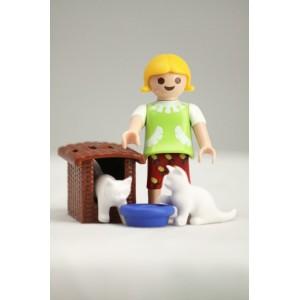 «Девочка с кошками» PM001080
