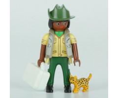 PM001142 Ветеринар с леопардом