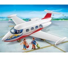 PM6081 Самолёт с туристами