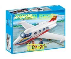 Самолет с туристами