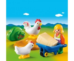 PM6965 Жена фермера с курочками