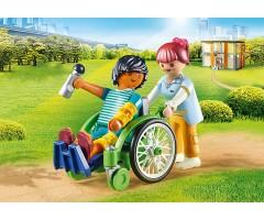 PM70193 Пациент в инвалидном кресле