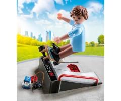 PM9094 Скейтбордист с пандусом